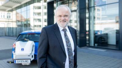Dr. Guenter Fraidl