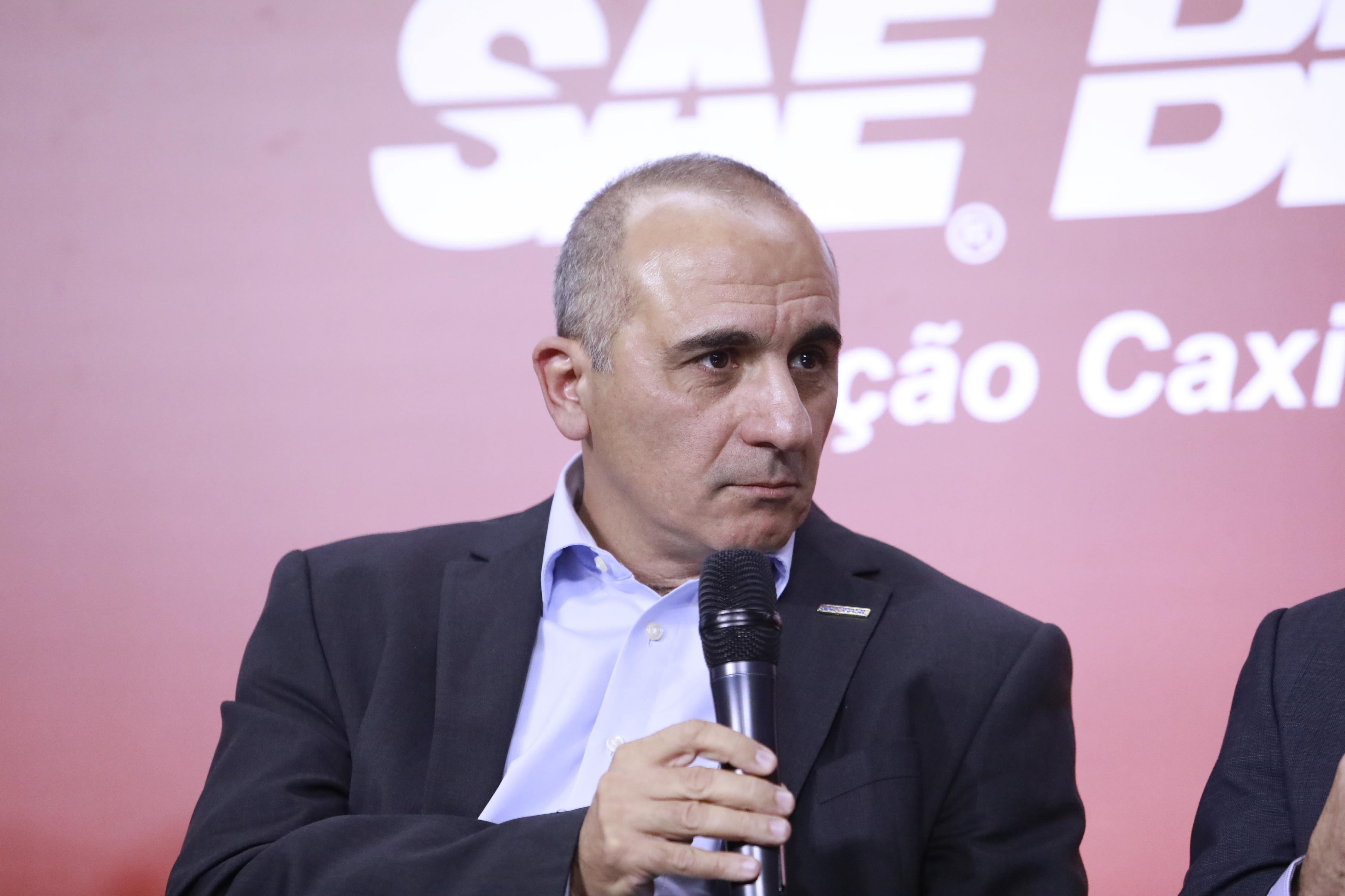 Dr. Camilo Adas